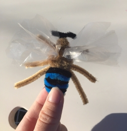 "Pipe cleaner ""Blue banded bee"""